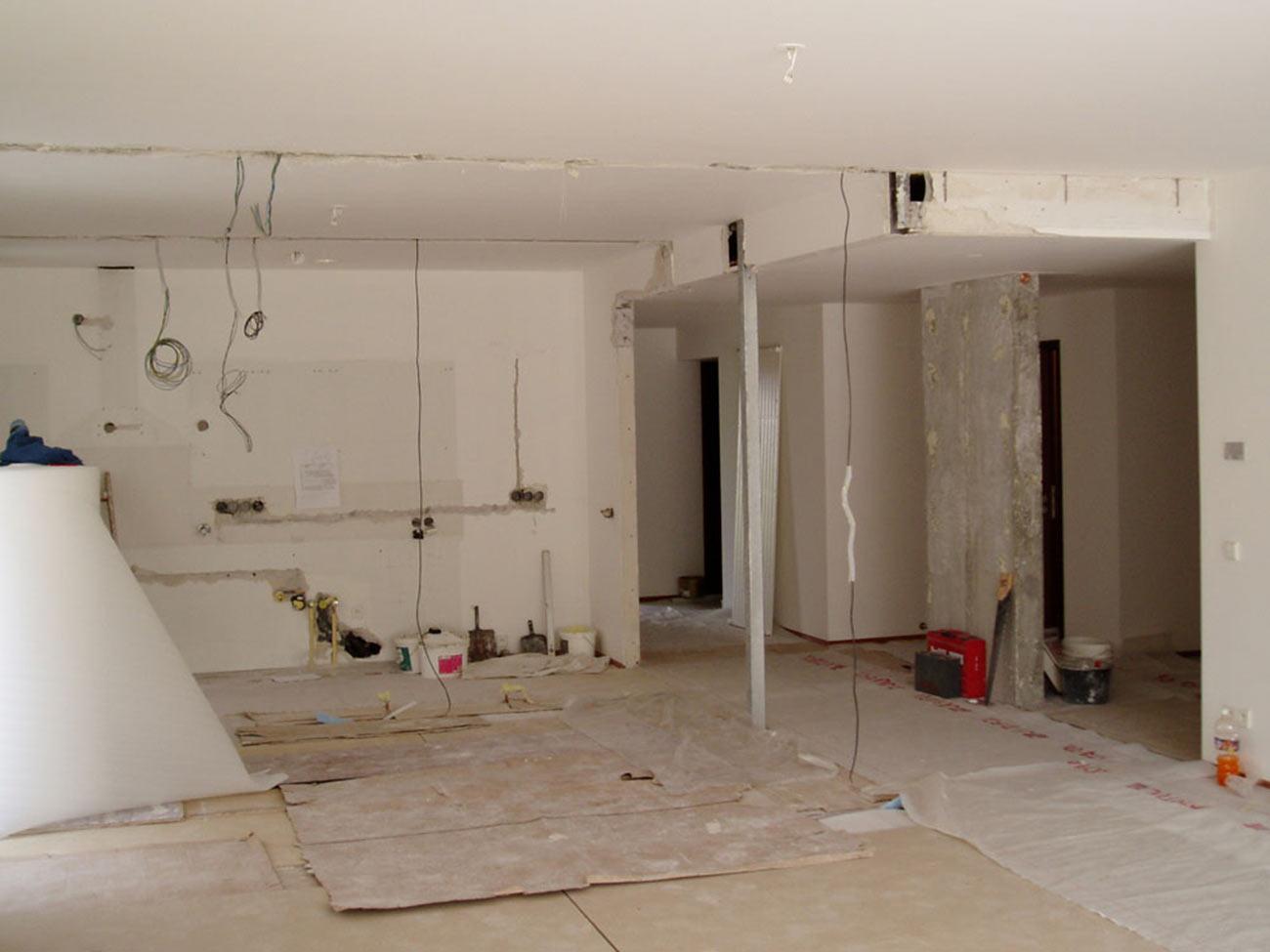 Průběh rekonstrukce, v tomto stavu většinou náročné pro klienty....